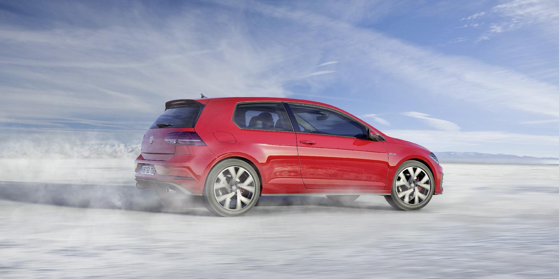 VW озвучил цены улучшенного Golf