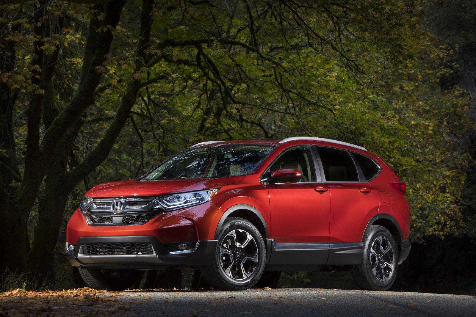 Хонда начинает продажи CR-V обновленного поколения