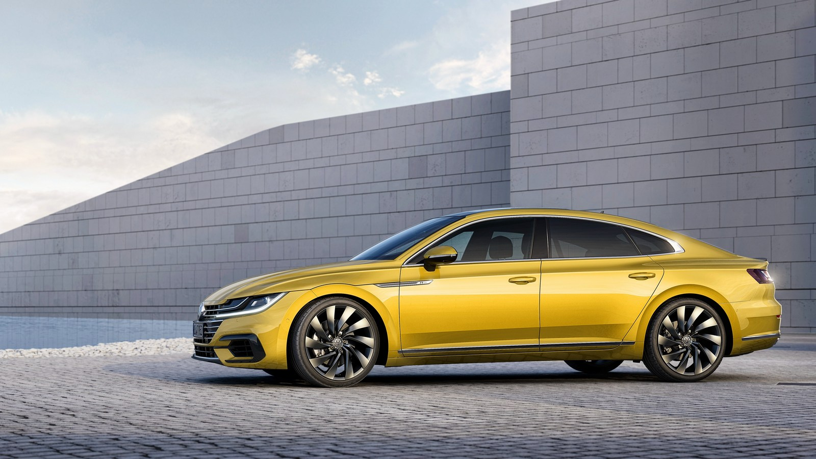 VW Arteon: названы цены истартовал прием заказов