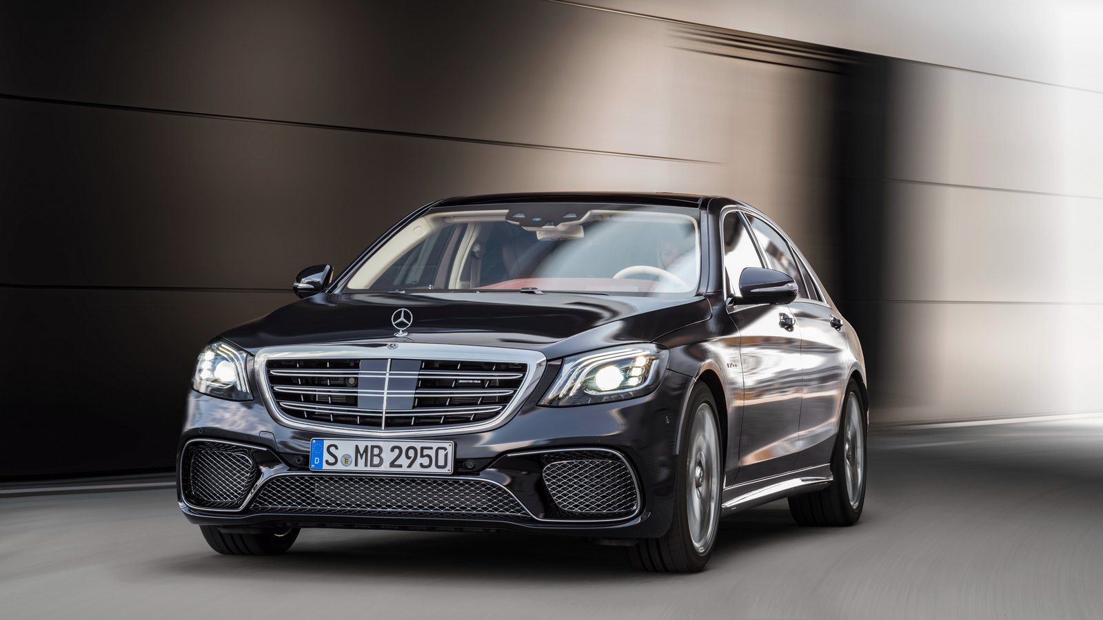 mercedes benz overcoming diminishing market share essay