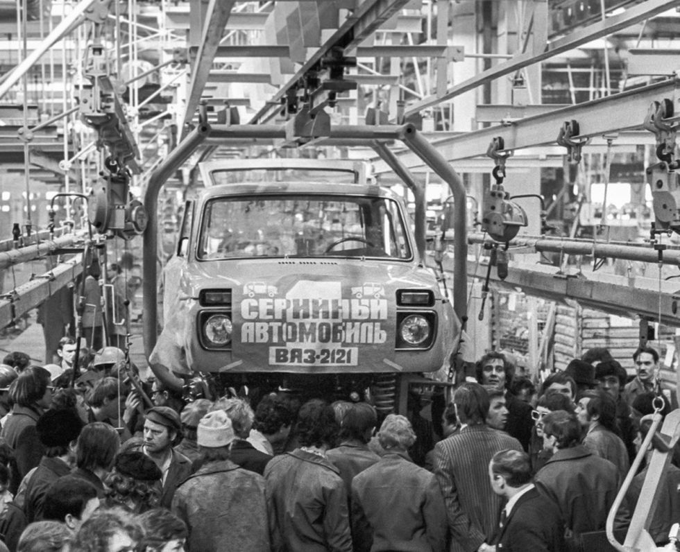 vaz-2121-first-production