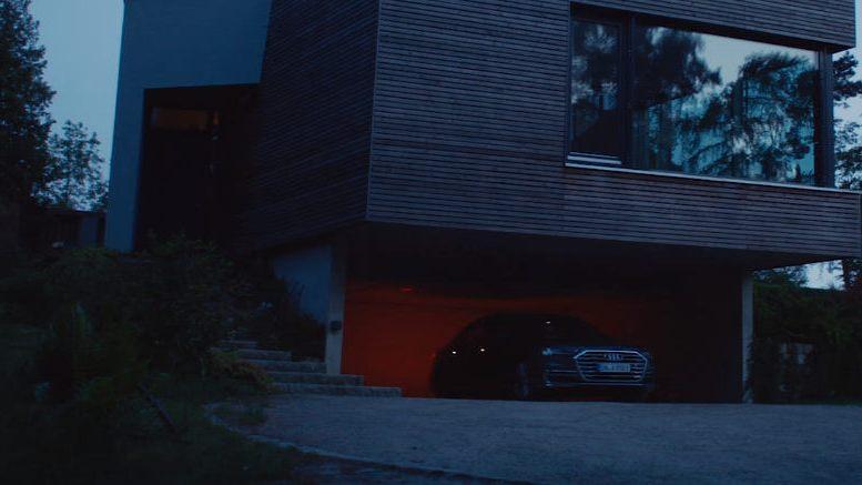 Представлено видео самостоятельной парковки обновленного поколения Ауди А8