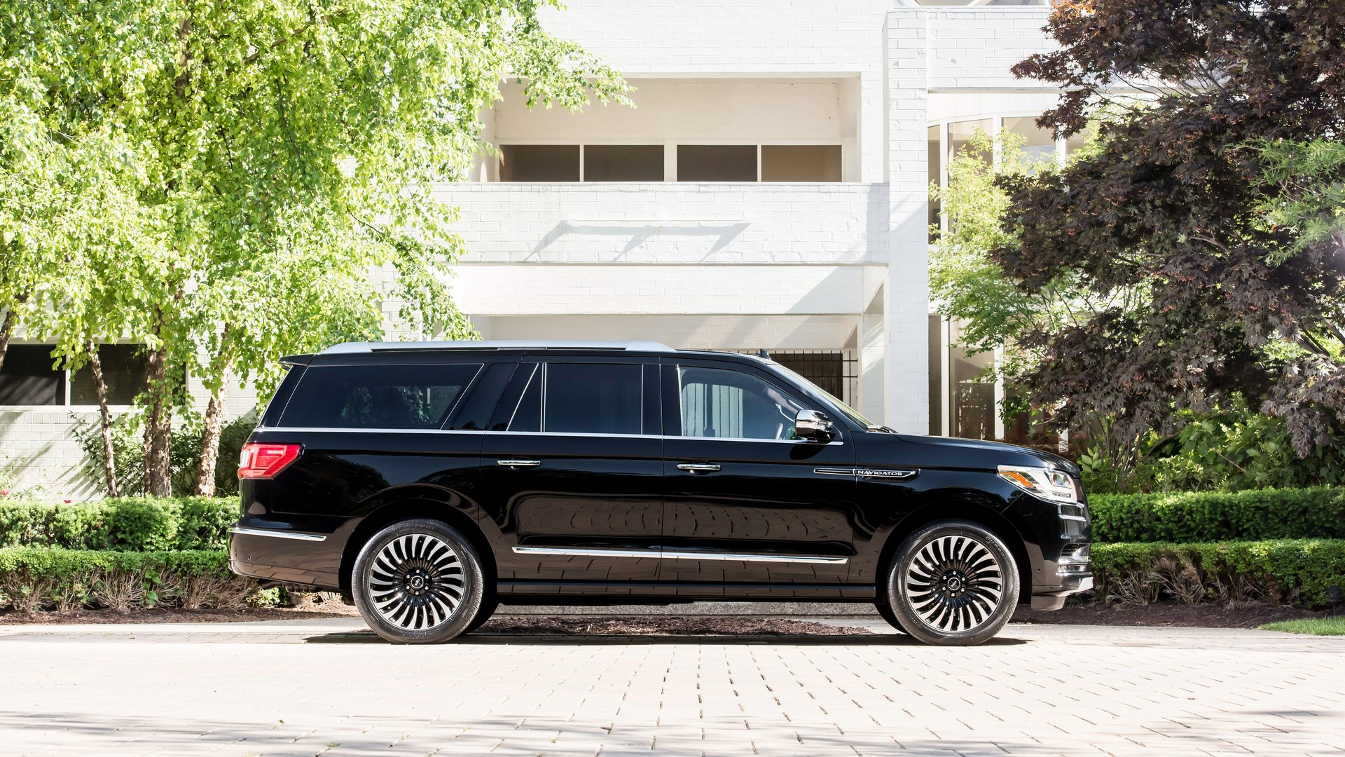 lincoln_navigator_extended_black_label_1