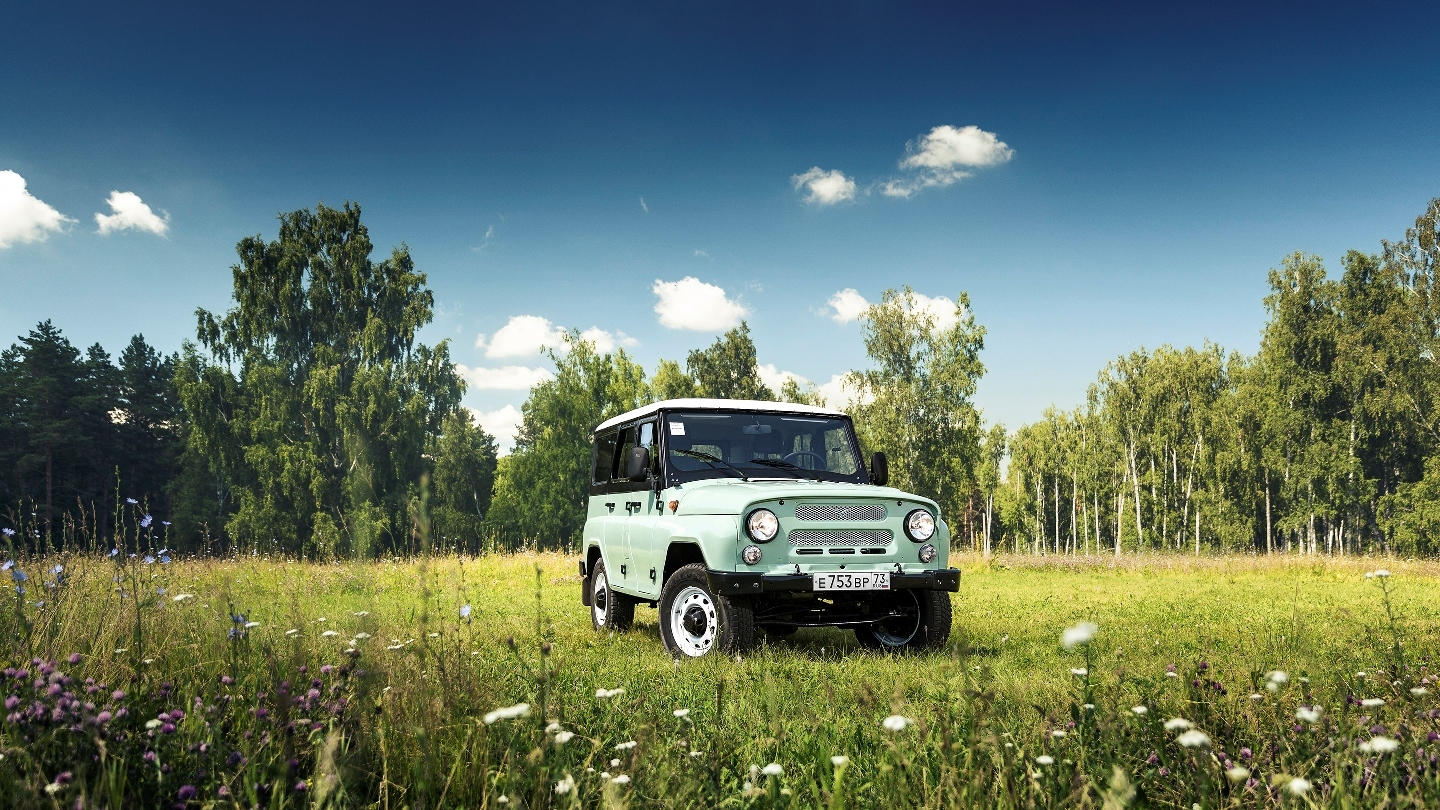 uaz-469-hunter-anniversary-1