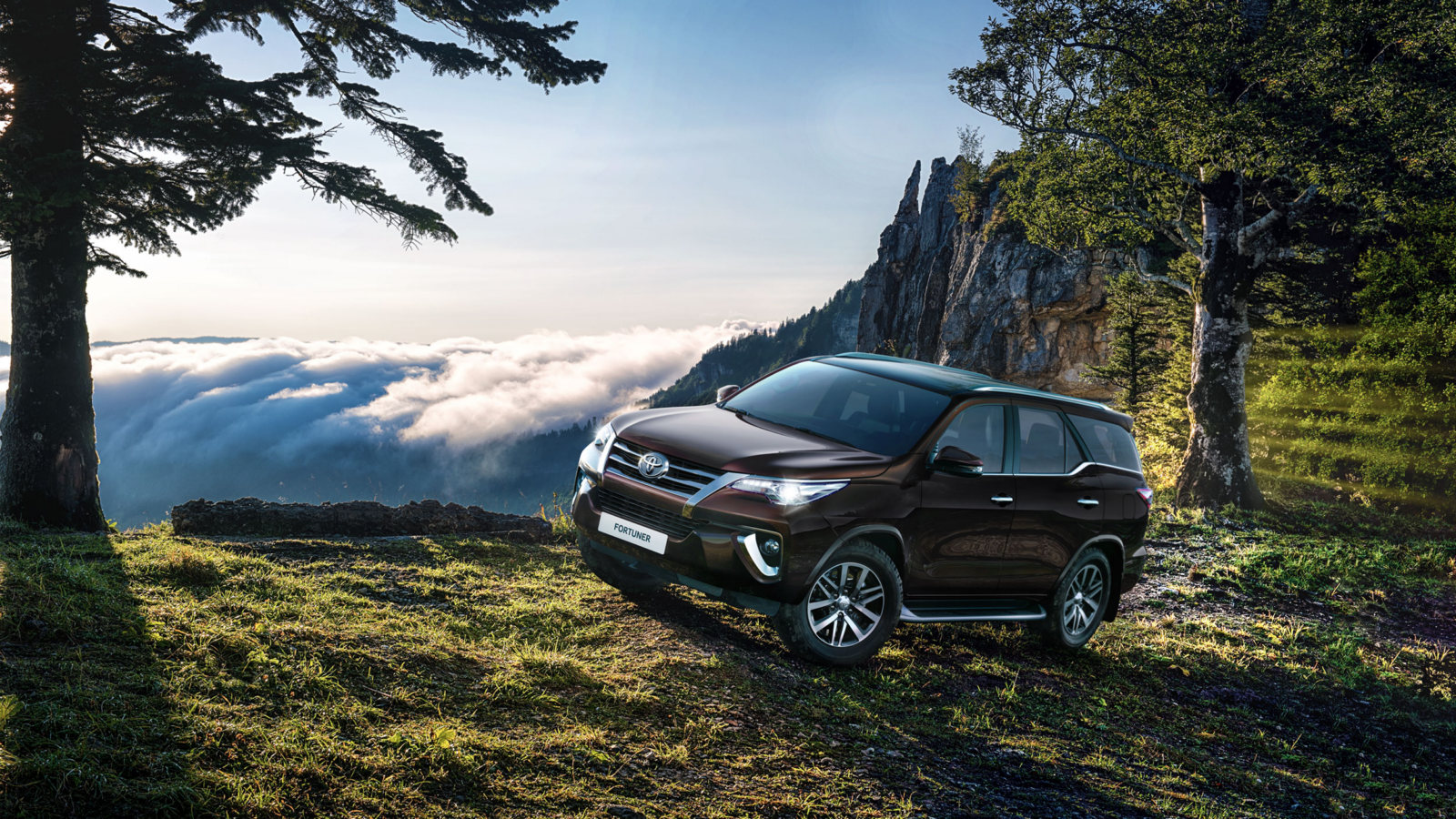 Toyota Fortuner поступил в продажу в России