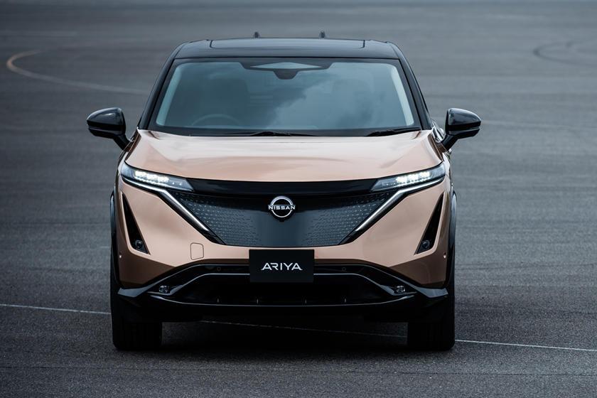 Nissan официально представил свой серийный электрический кроссовер Ariya
