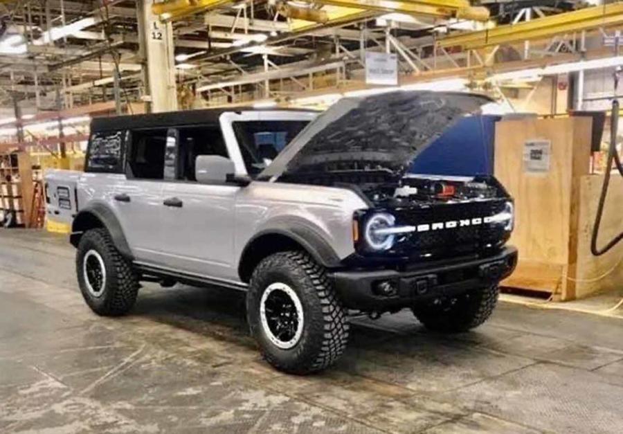 В Сети появились новые изображения Ford Bronco 2021