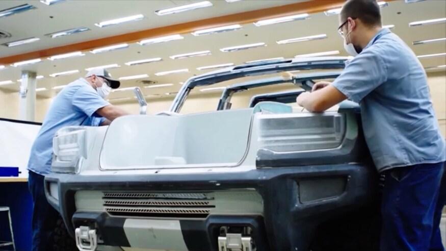Электрический внедорожник Hummer выйдет на рынок осенью 2021 года