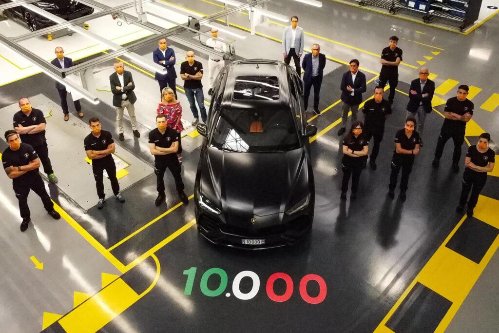 Lamborghini выпустила свой 10-тысячный кроссовер Urus
