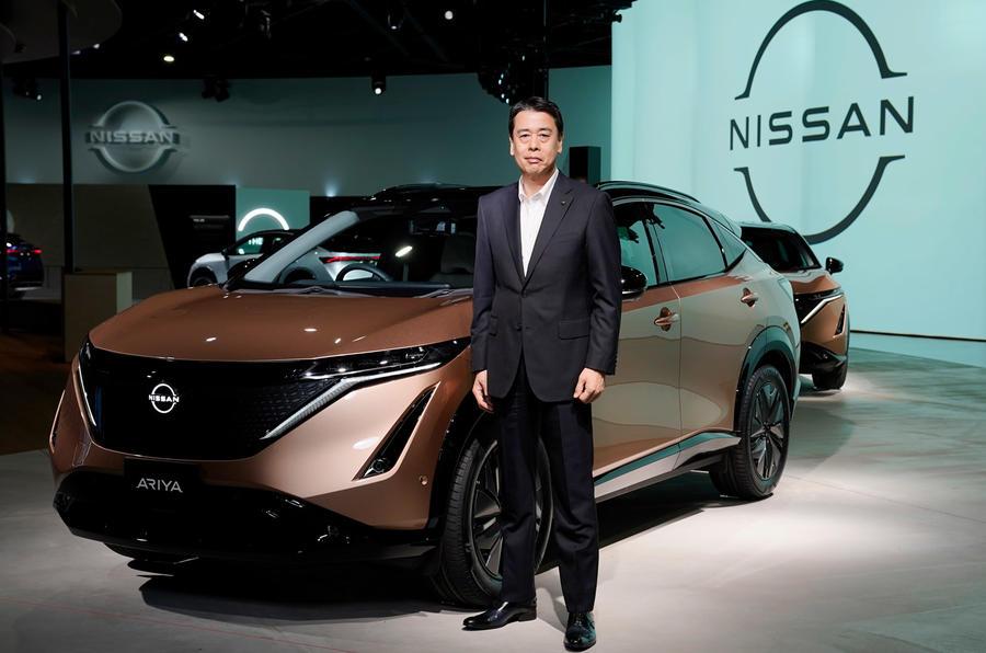 Nissan представил обновленный логотип