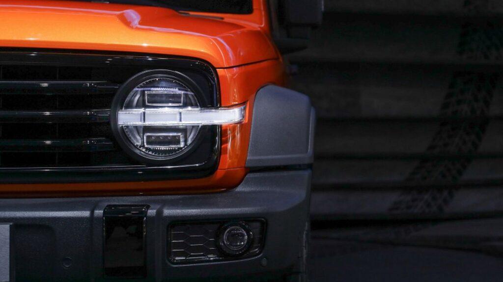 Great Wall показала свой новый рамный внедорожник Wey Tank 300 на автосалоне в Чэнду
