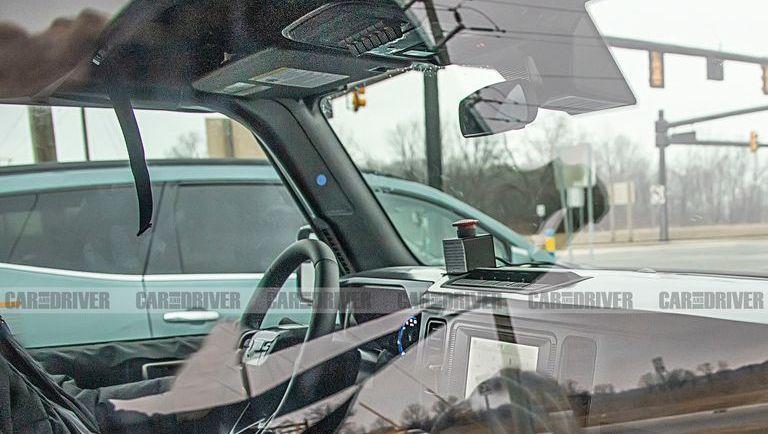 Интерьер нового Ford Bronco рассекретили до официальной премьеры, назначенной на 13 июля
