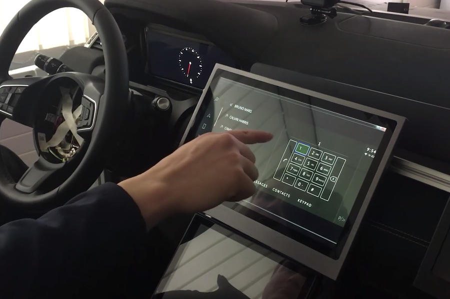 Jaguar Land Rover разработал бесконтактные сенсорные экраны для защиты от COVID-19