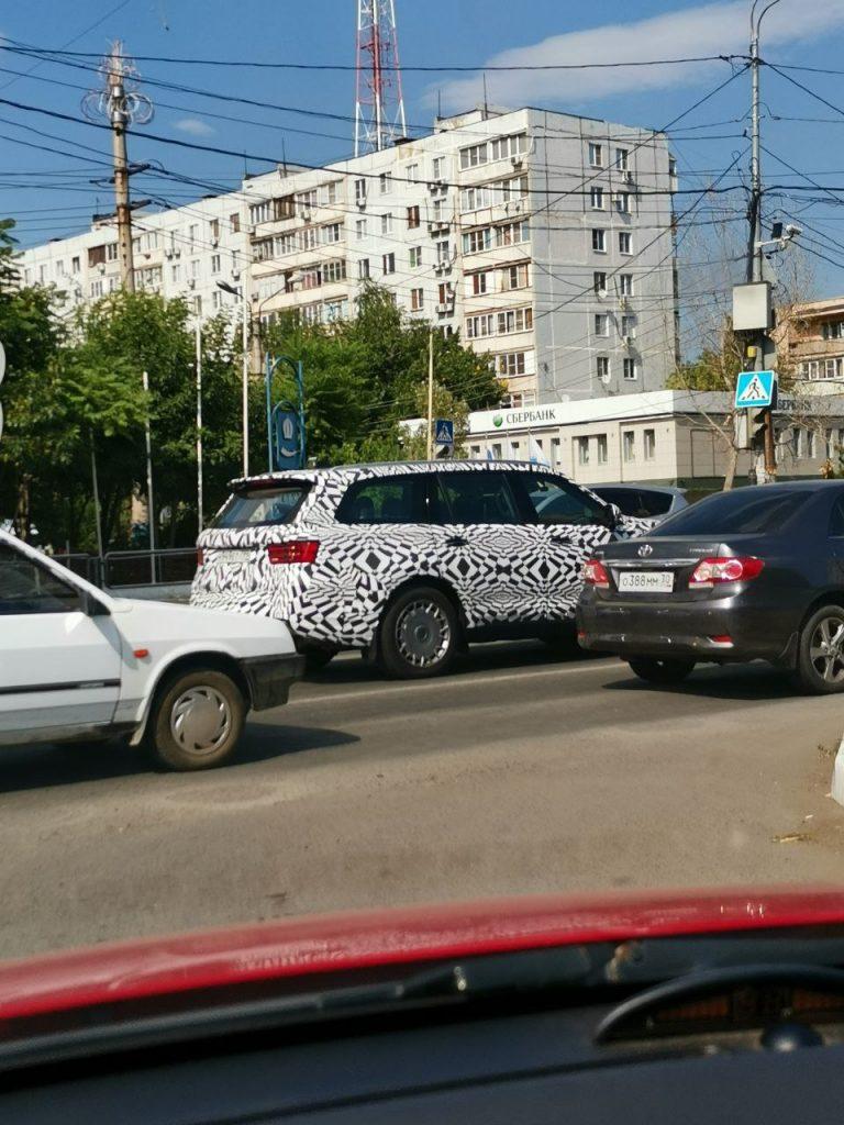 Внедорожник Aurus Komendant вышел на тест в Астрахани