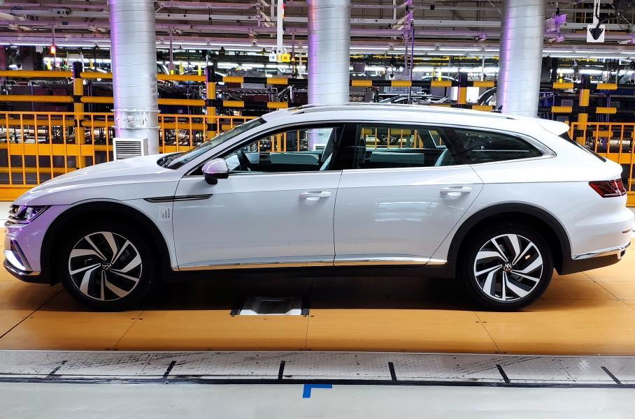 Линейка Volkswagen CC пополнилась стильным кросс-универсалом