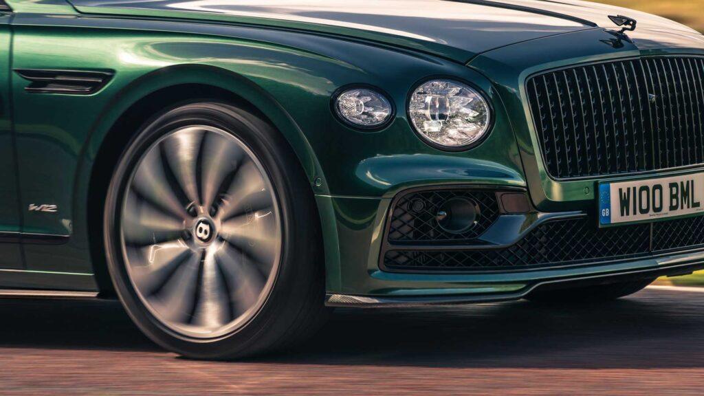 Bentley представила свой Flying Spur с карбоновым обвесом
