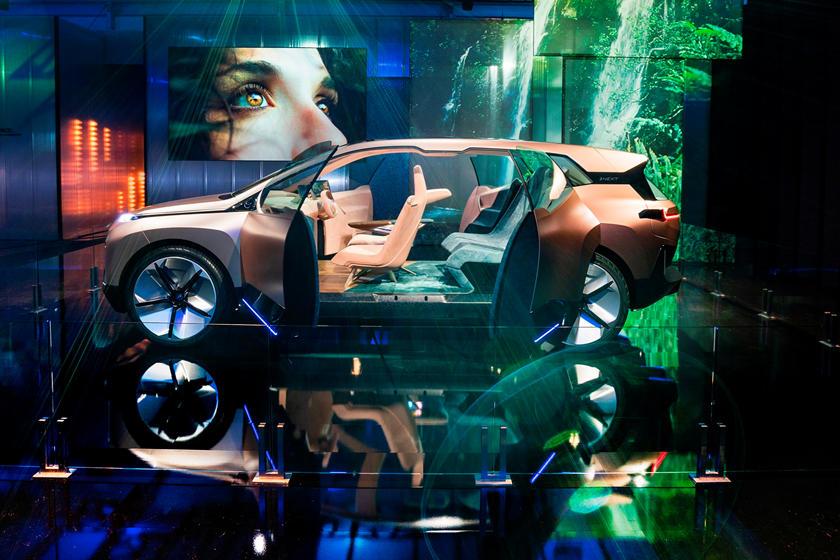 Серийный BMW iNext получит новое имя BMW iX