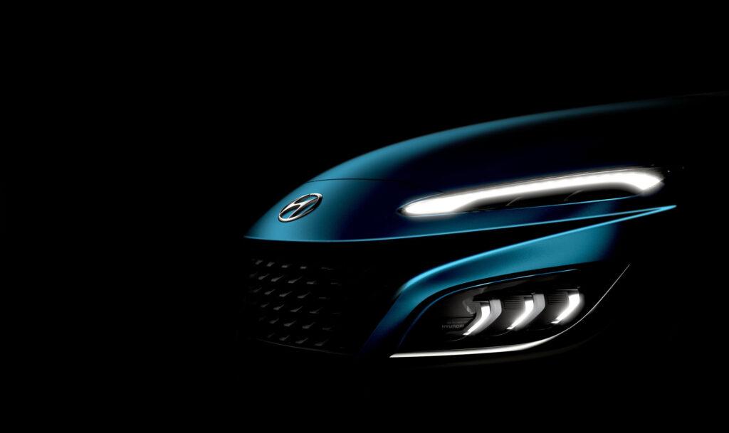 Hyundai опубликовала тизер обновленного кроссовера Kona