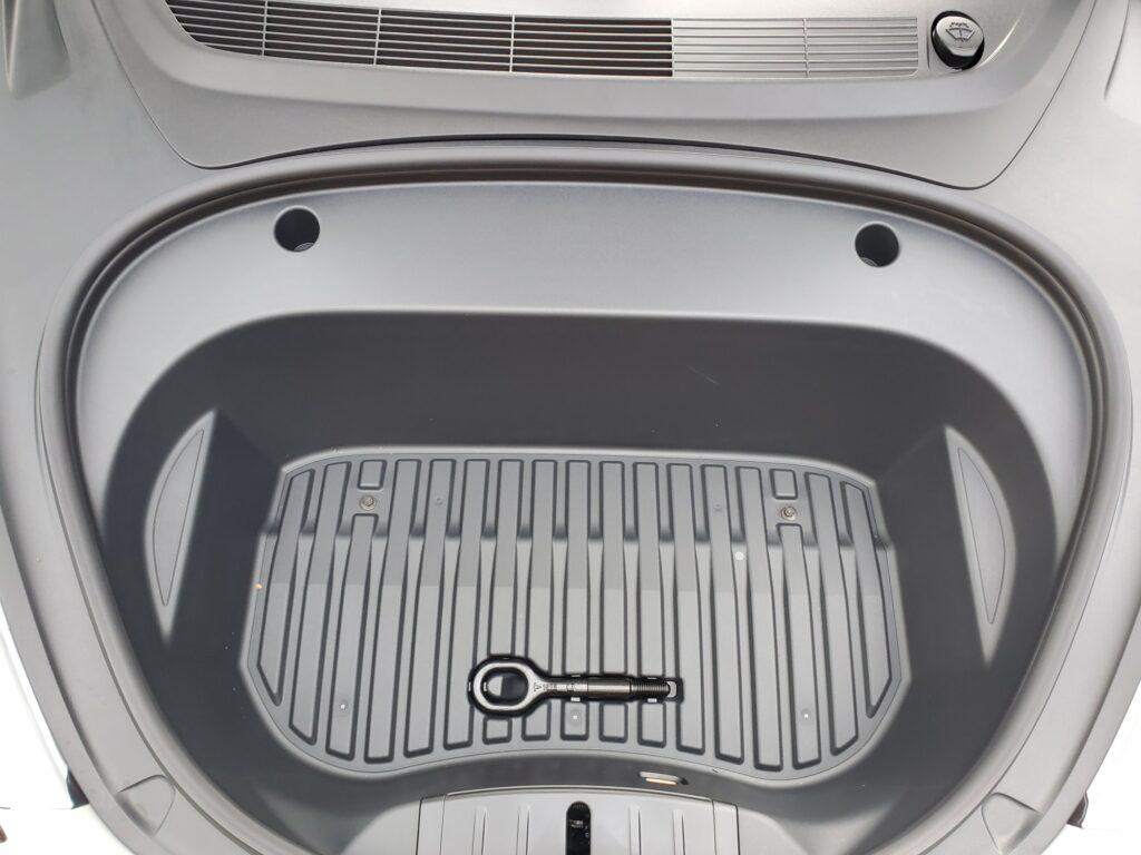 Tesla обновила и уменьшила передний багажник Model 3