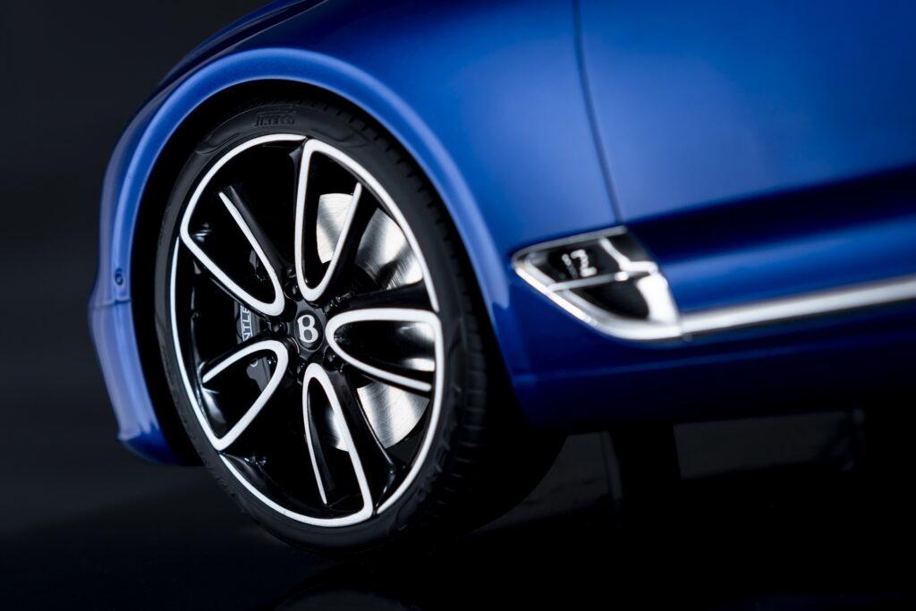 Bentley выпустила официальные миниатюрные модели Continental GT