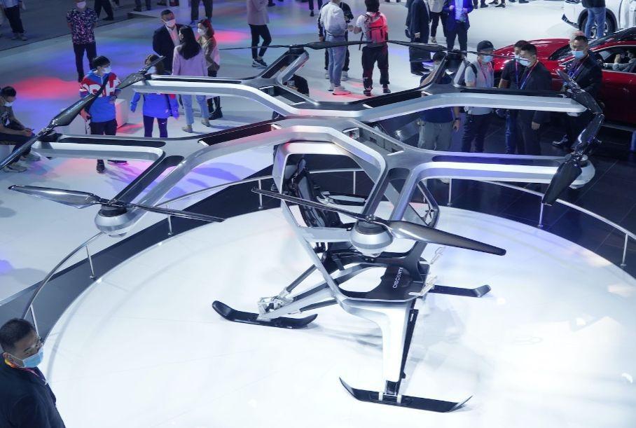 Летающий электромобиль представили на Пекинском автосалоне