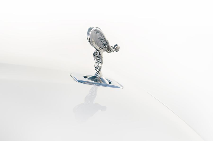 Компания Rolls-Royce представила обновленный роскошный седан Ghost