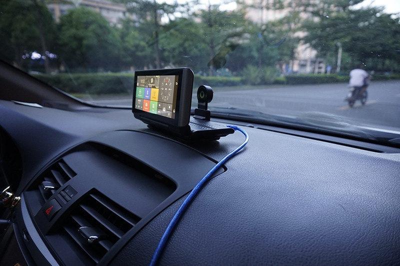 Автопланшеты с GPS навигатором 2в1
