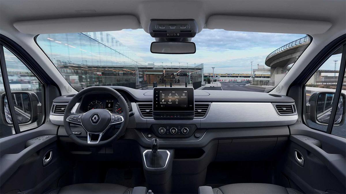 Renault представила обновлённый минивэн Trafic