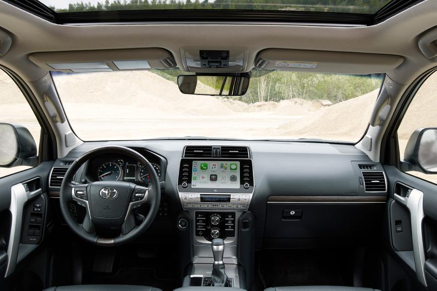 Toyota начала продавать в РФ самый дорогой Land Cruiser Prado
