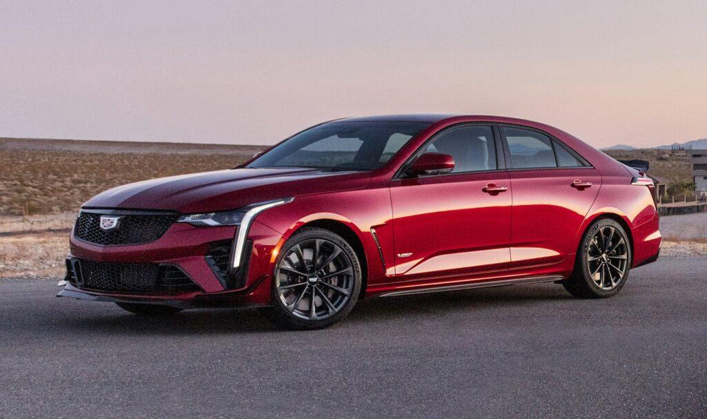 Cadillac CT4-V и CT5-V Blackwings 2022 года покажут в преддверии дебюта в понедельник