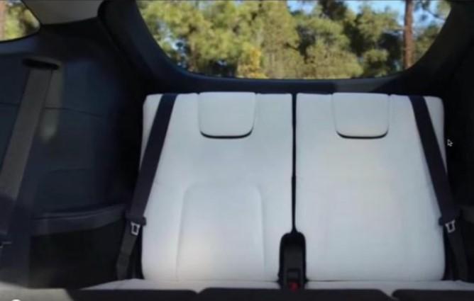 Опубликованы первые снимки Tesla Model Y третьего ряда