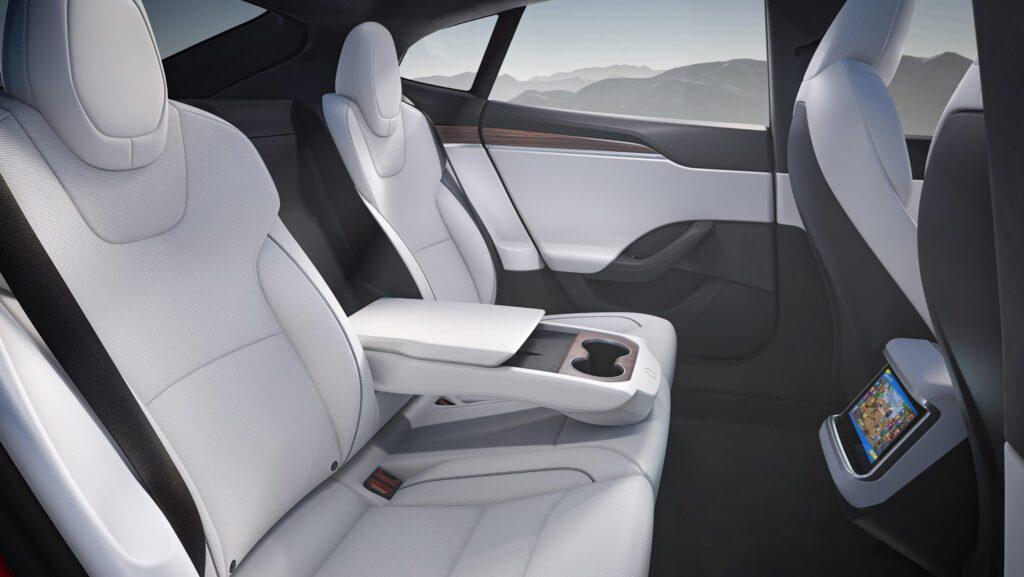 Tesla впервые обновила дизайн Model S и добавила флагманскую модель Plaid +