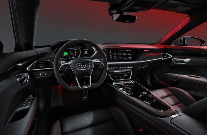 Audi представила свой новый спортивный электромобиль Audi e-tron GT — прямого конкурента Tesla