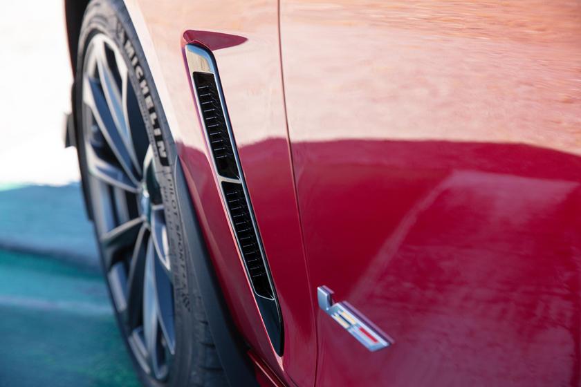 Cadillac CT5-V Blackwing 2022 года стал самым мощным Cadillac в истории
