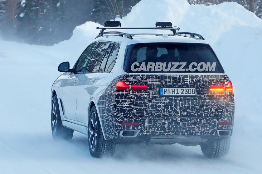 В Сети появились шпионские снимки нового BMW X7