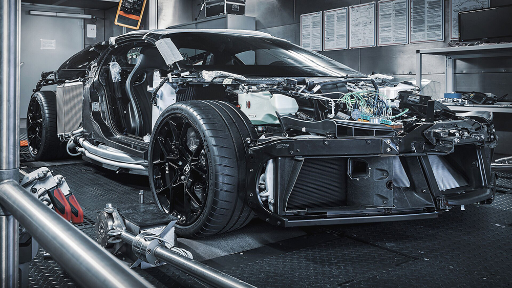Bugatti представила первый прототип Centodieci стоимостью 9,6 млн долларов и мощностью 1600 л.с.