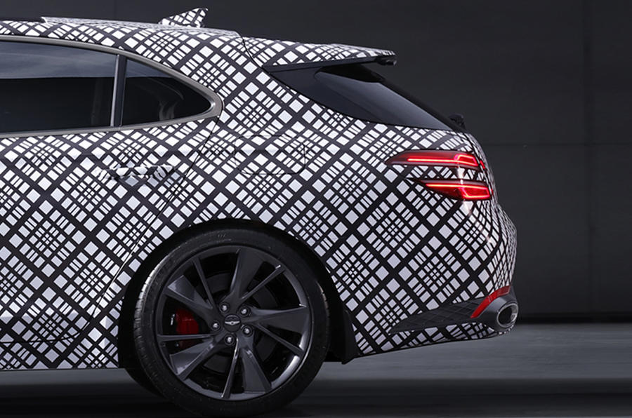 Genesis представил тизеры нового седана G70 Shooting Brake 2021 года