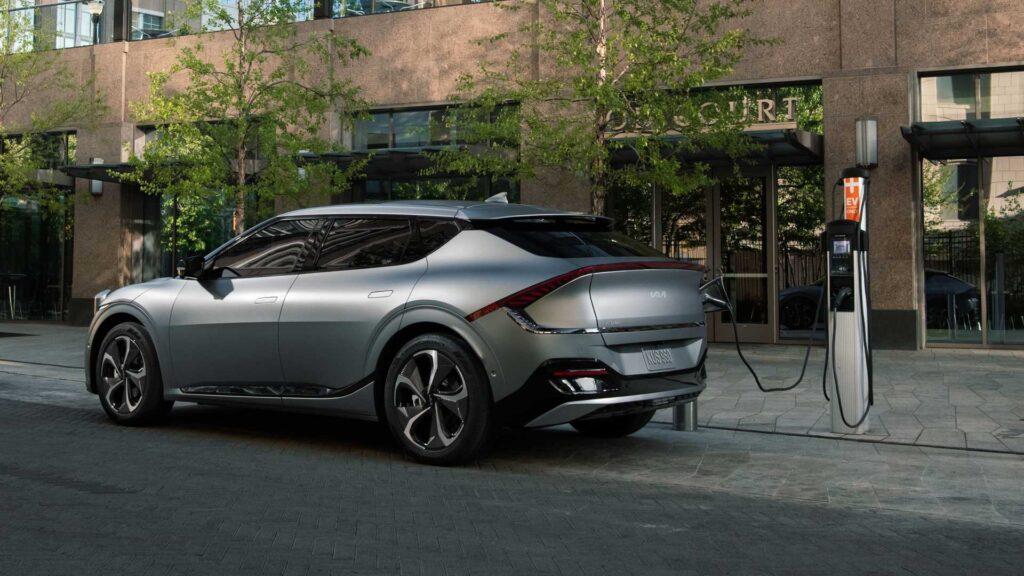 Предварительные заказы на электромобили Kia EV6 First Edition начинаются 3 июня