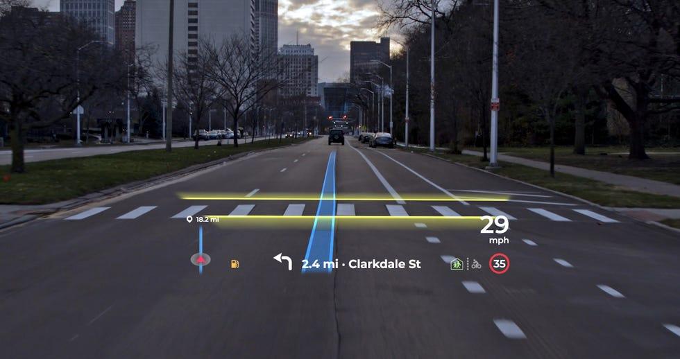 Kia, Hyundai, Cadillac и Audi представят лобовые стекла с дополненной реальностью