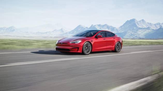 Илон Маск заявил, что Tesla официально отменила выпуск Model S Plaid Plus