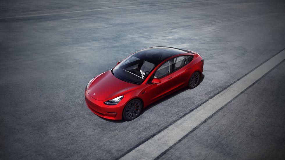 Tesla отзывает 285000 автомобилей в Китае из-за проблемы с круиз-контролем