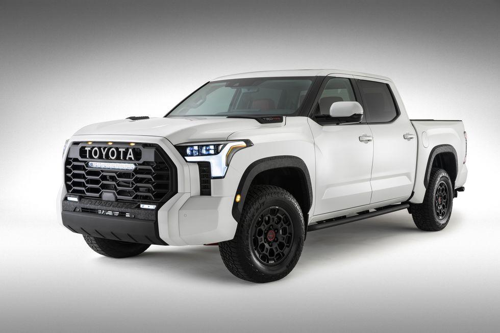 Toyota Tundra TRD Pro 2022 года представлена на официальном фото
