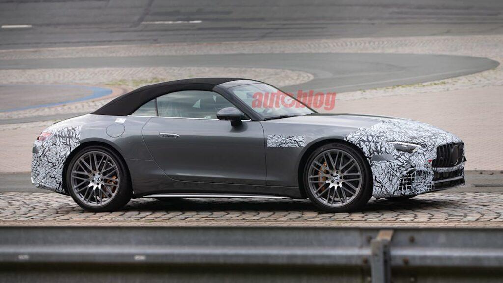 Прототип Mercedes-AMG SL 2022 года заметили на новых шпионских фото