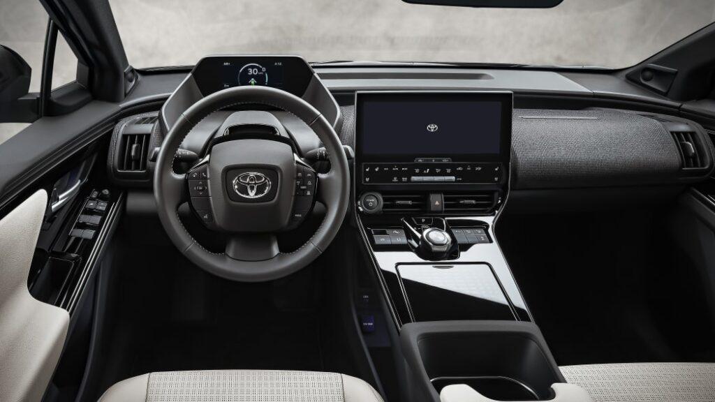 Toyota bZ4X BEV Concept представлена в США, продажи начнутся в 2022 году