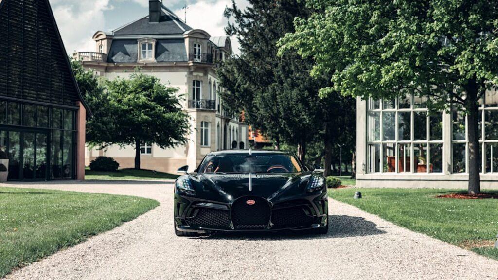 Bugatti представил окончательную версию уникального La Voiture Noire