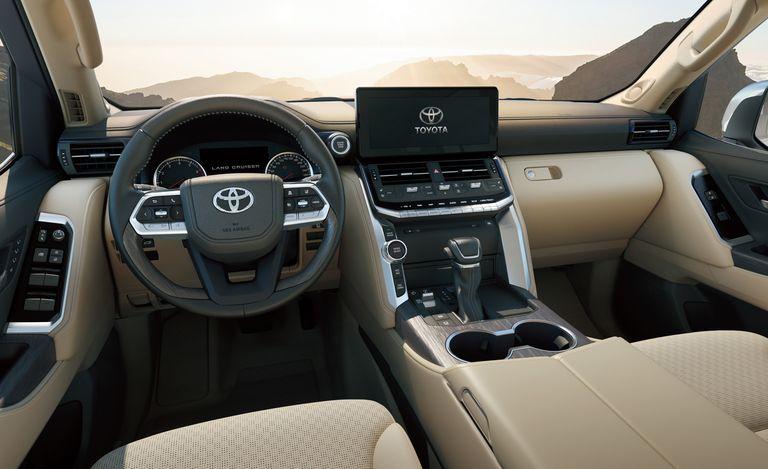 Новый Toyota Land Cruiser дебютирует с 409-сильным 3,5-литровым двигателем V-6 с двойным турбонаддувом