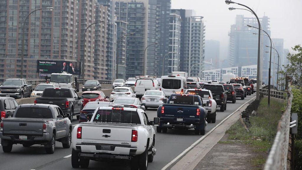 Канада заявила, что запретит продажу новых автомобилей с топливным двигателем с 2035 года