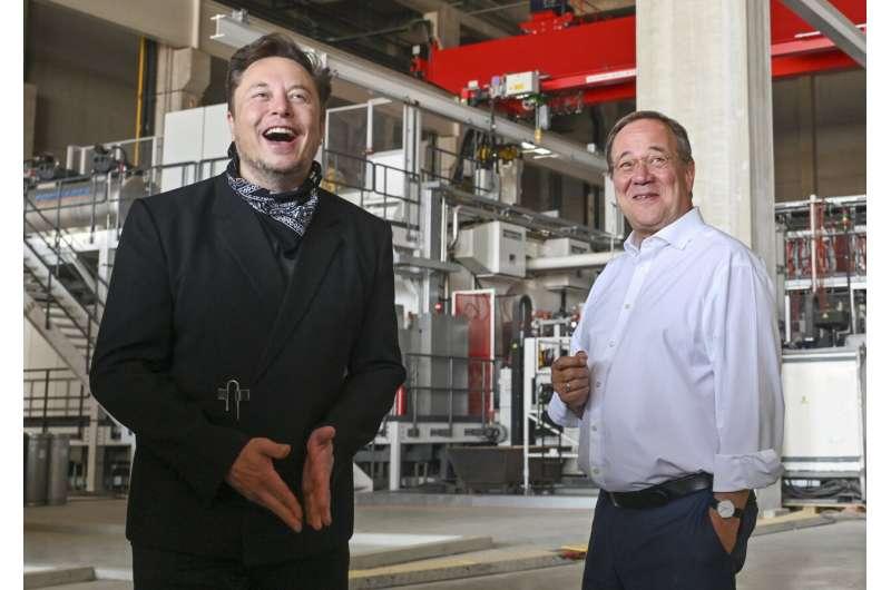 Tesla планирует начать производство на заводе в Берлине в октябре