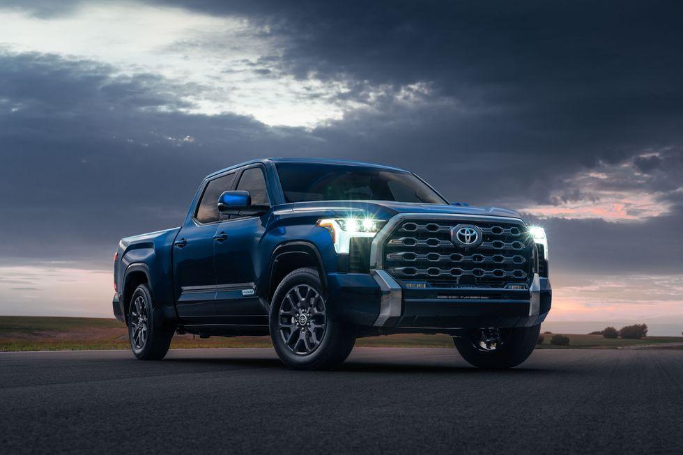 Компания Toyota презентовала в США новое поколение пикапа Tundra